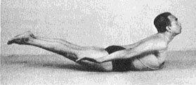 El mismo Iyengar, haciendo la Langosta