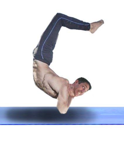 Este soy yo haciendo una postura para la tiroides. Creo.